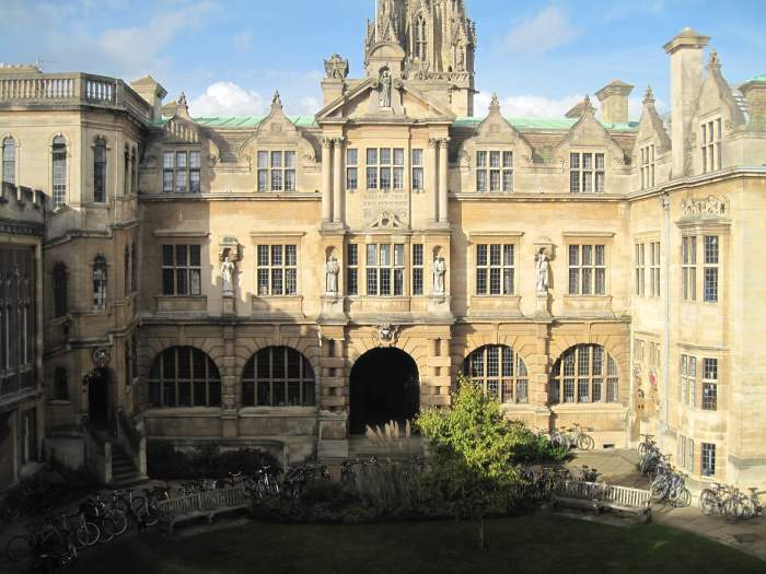 oriel-college-universidad-de-oxford.jpg